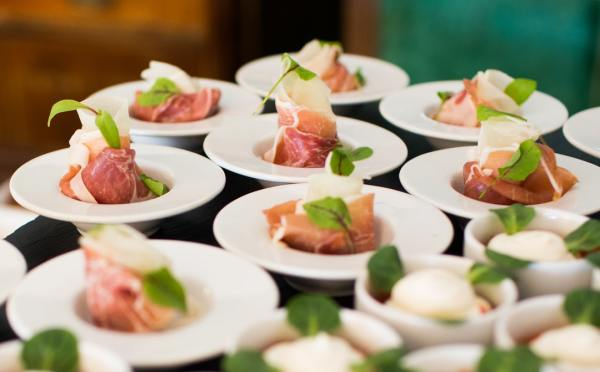 What are the Benefits of Hiring Catering Services